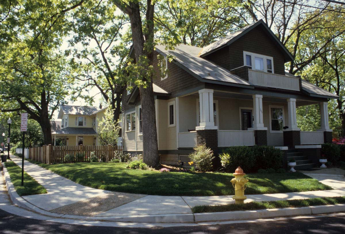 The Ashton Heights Historic District