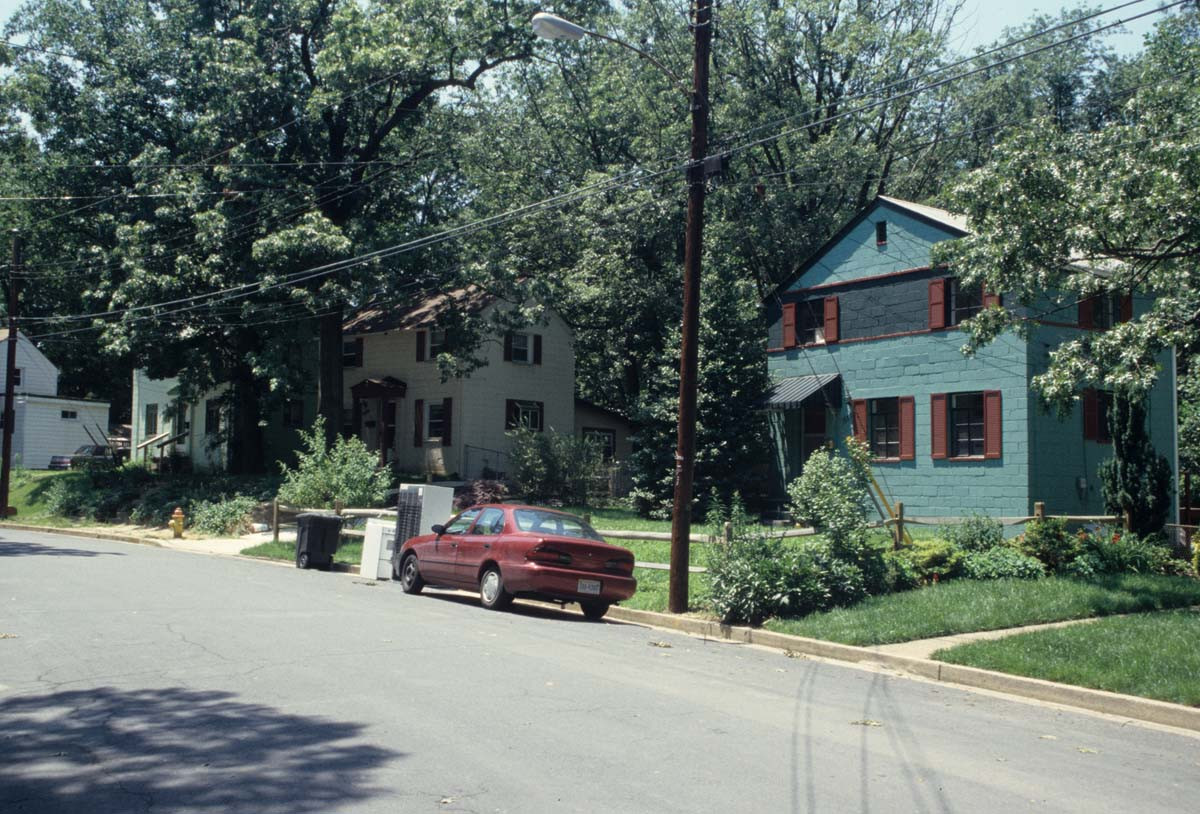 Columbia Forest Historic District