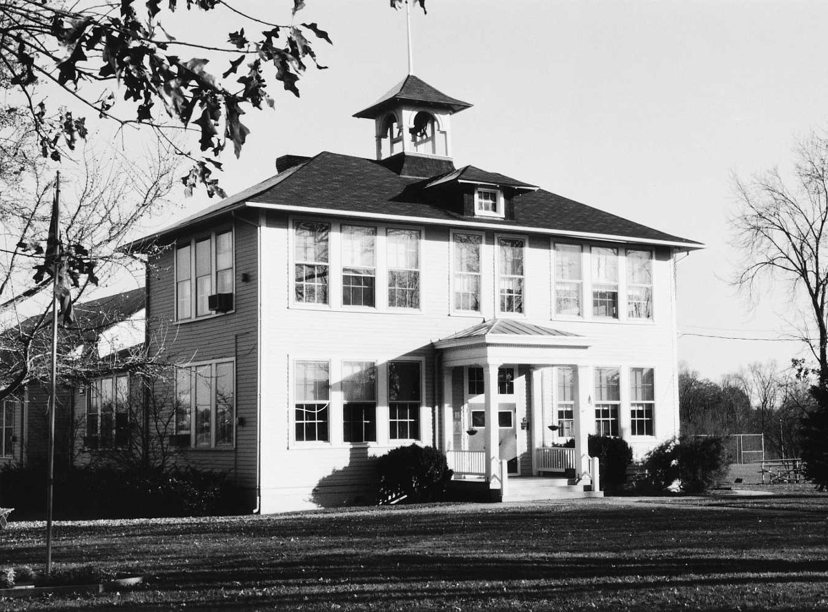 Lucketts School