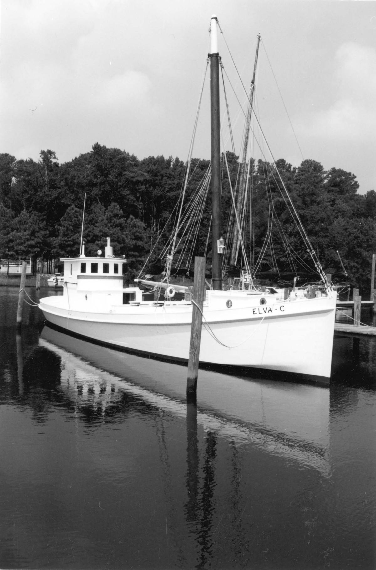 Elva C. Deck Boat
