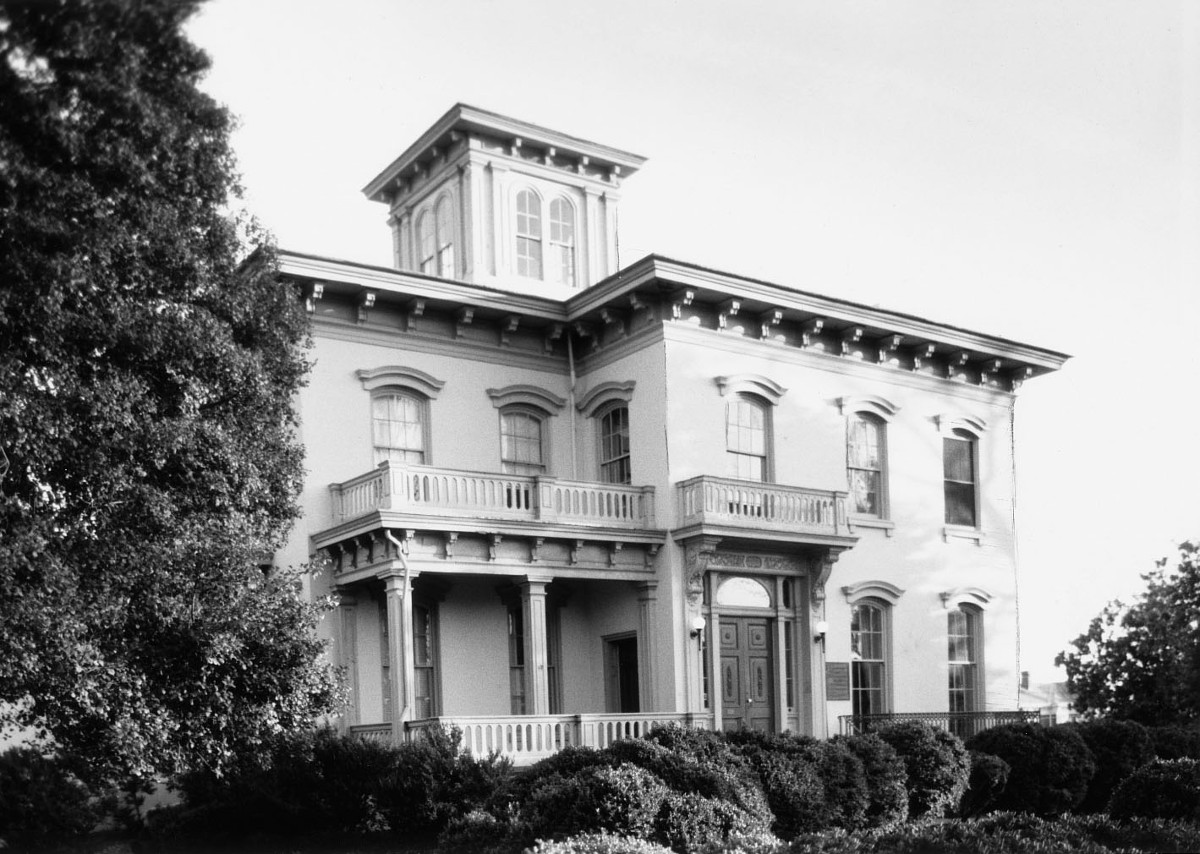 Sutherlin House