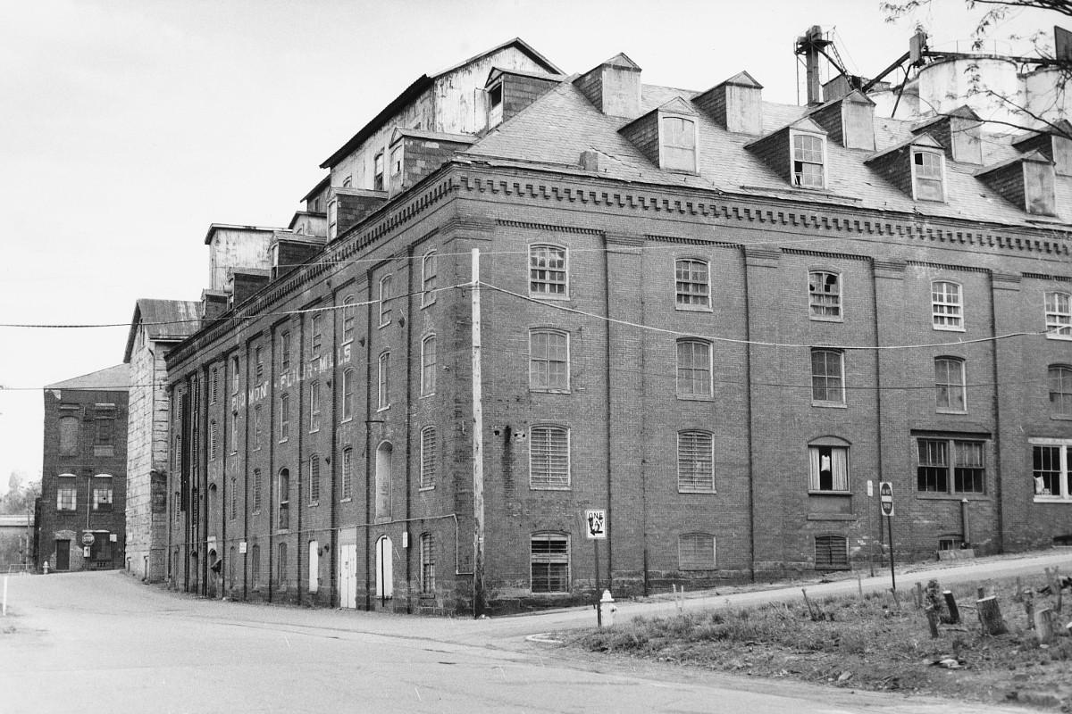 Lower Basin Historic District