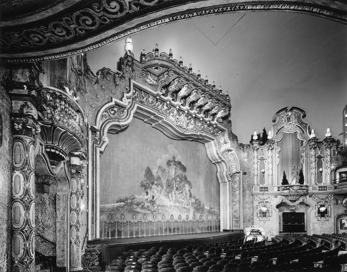 Loew's Theater
