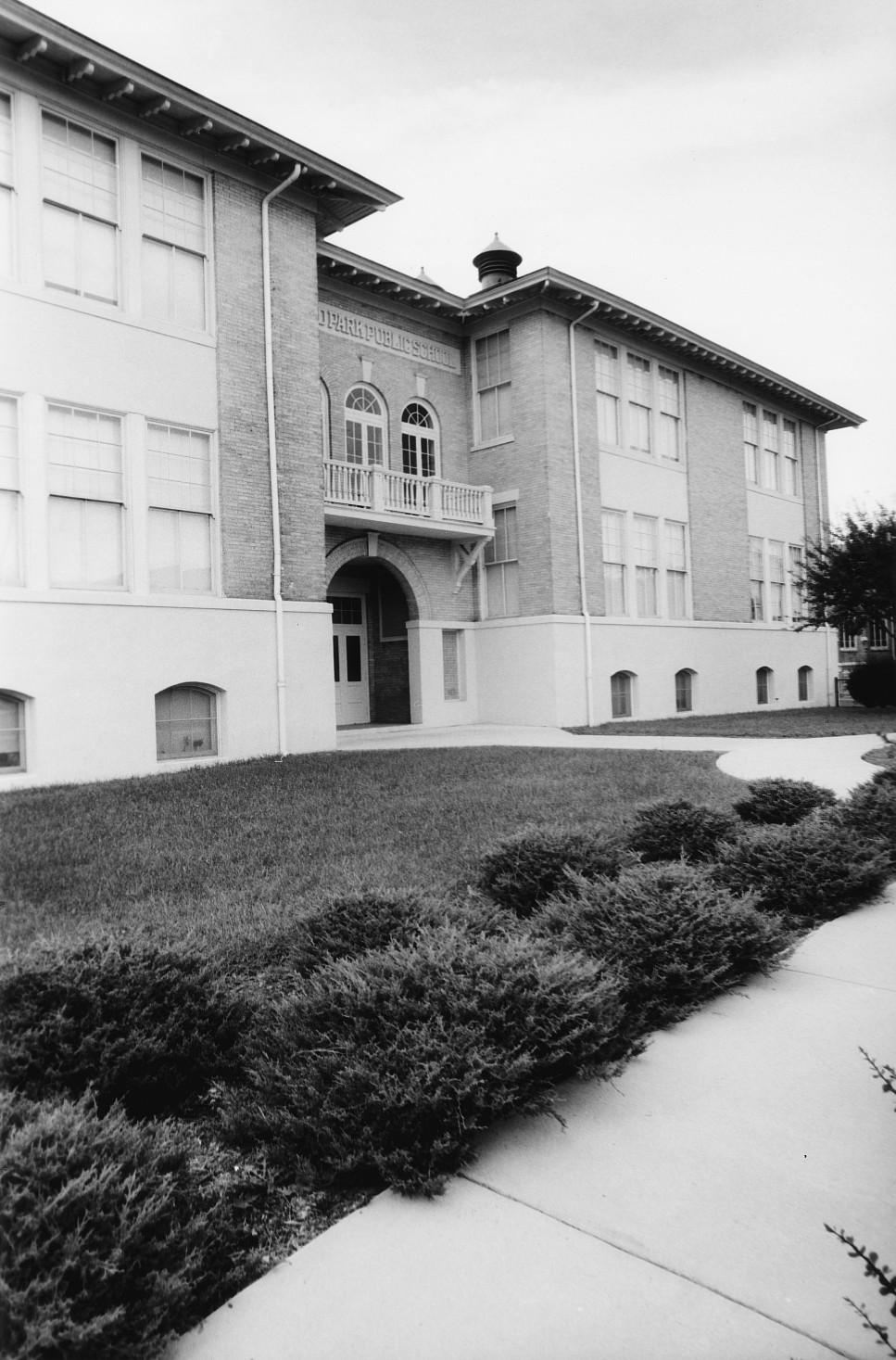 Highland Park Public School (Brookland Park Plaza)