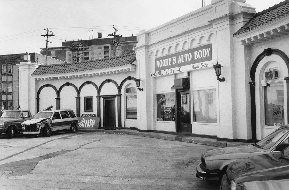Moore's Auto Body And Paint Shop