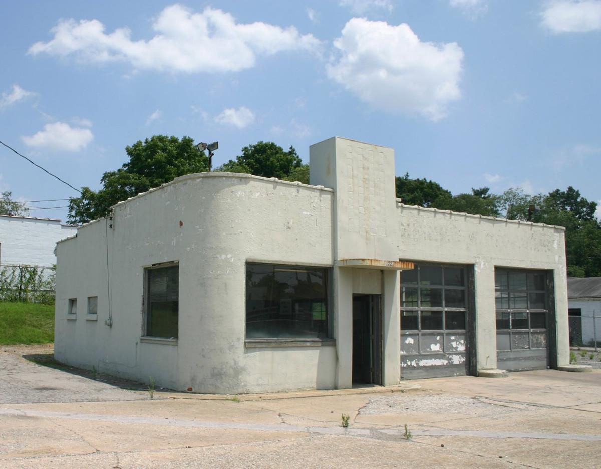 Carlin's Amoco Station