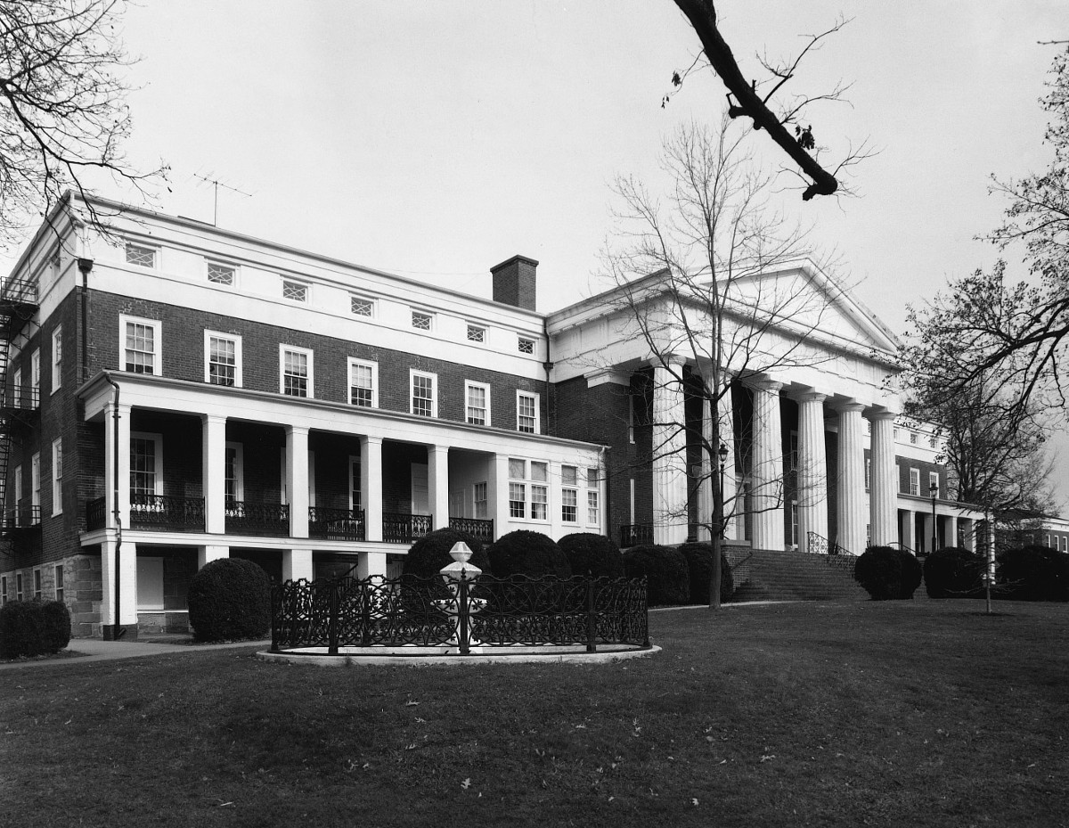 Virginia School for the Deaf and the Blind, Main Building