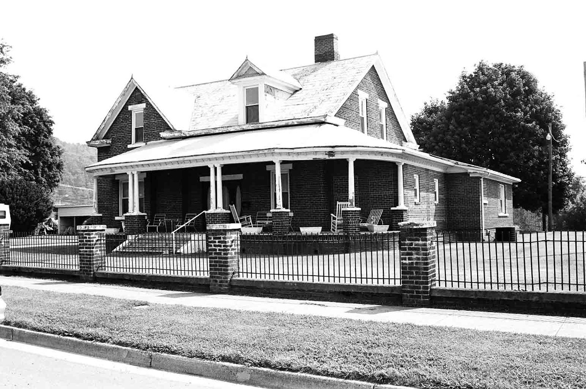 Tazewell Avenue Historic District