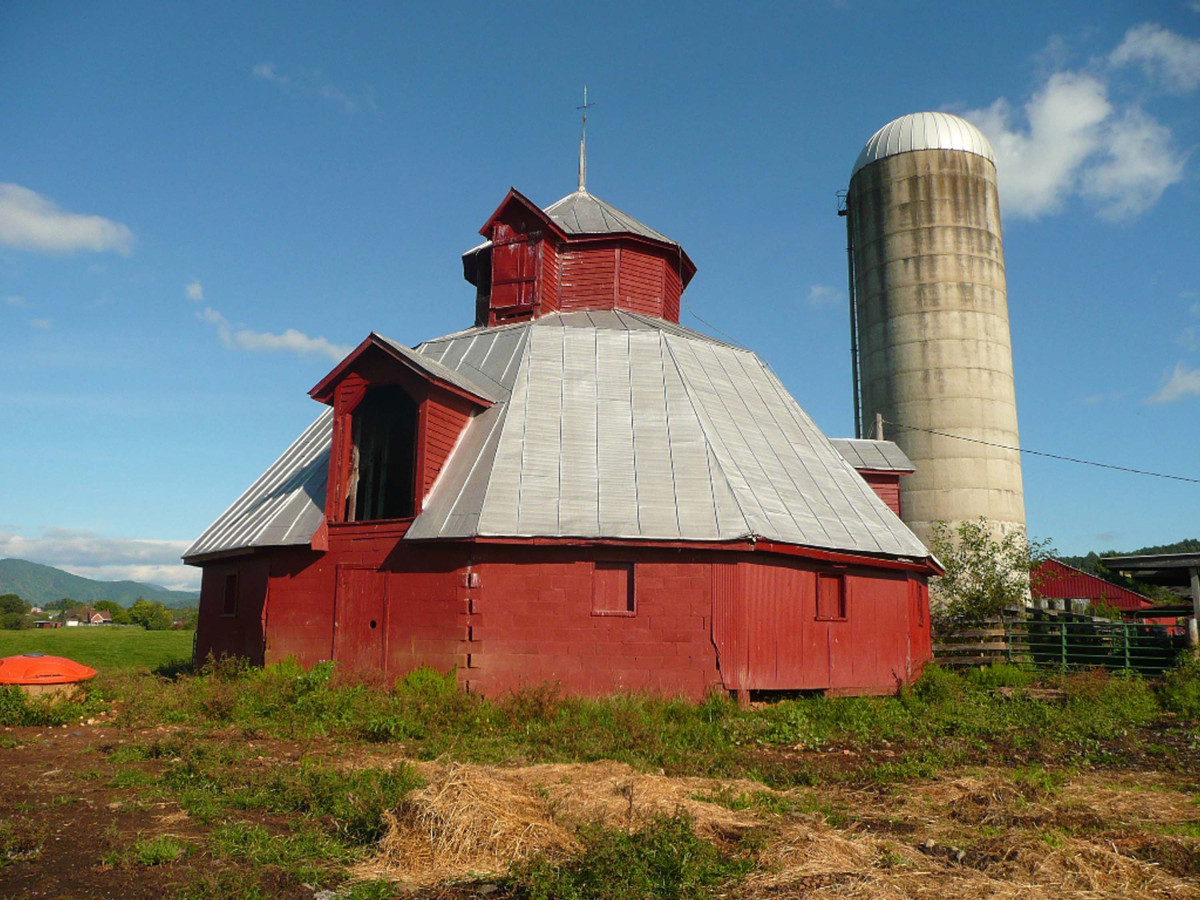 Hoffman Round Barn