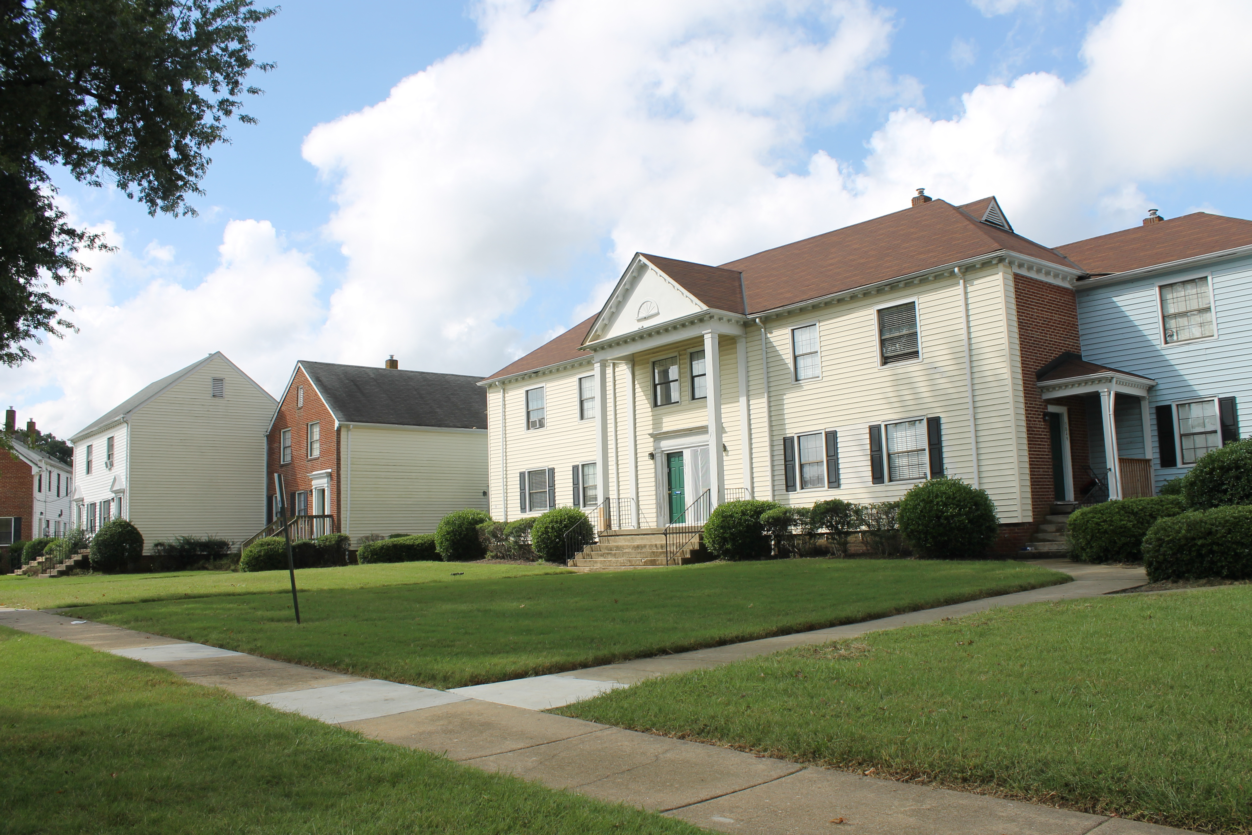 Holly Springs Apartments