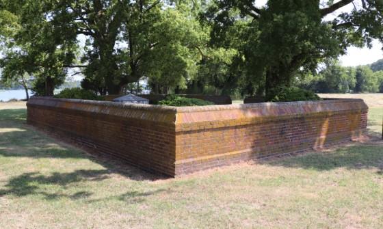Custis Tombs