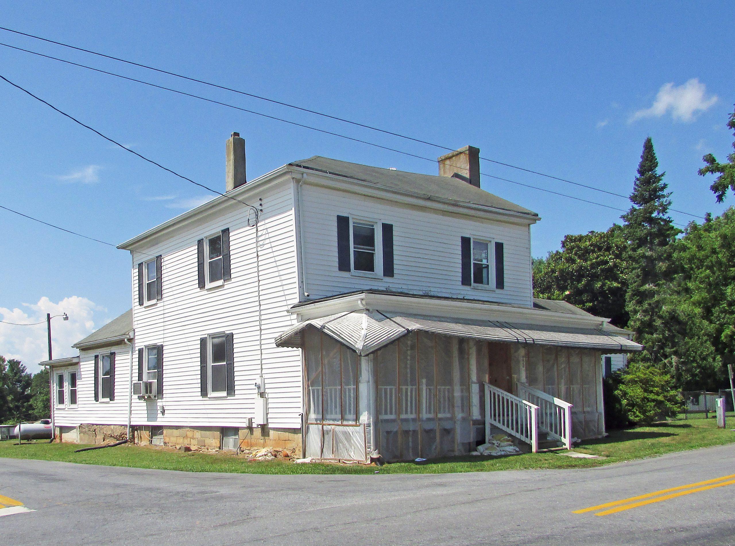 Mead's Tavern